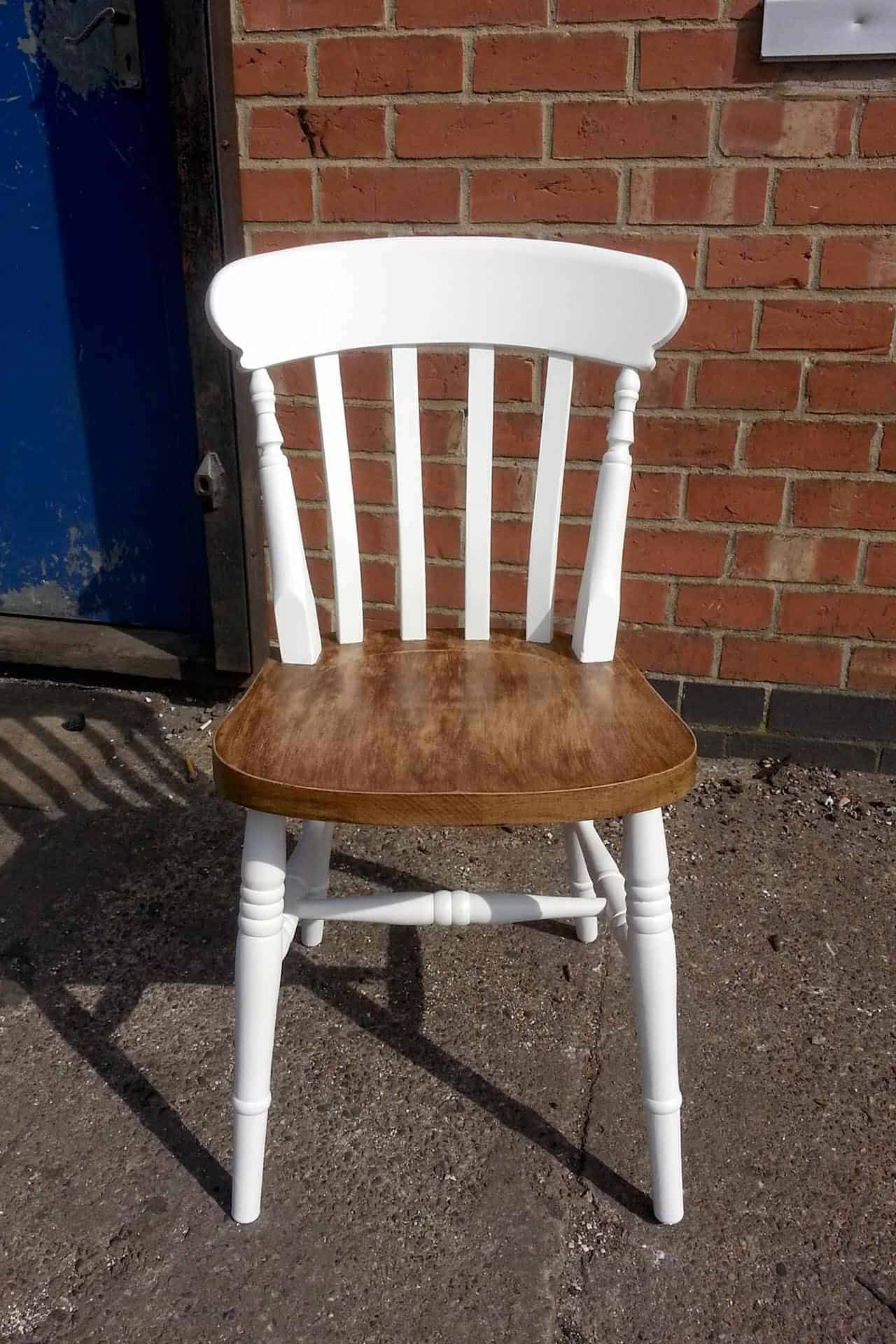 Farmhouse chair with waxed seat