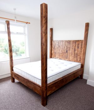Four Poster Sherwood Plank Rustic Bed
