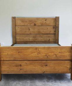 Hardwick rustic plank bed
